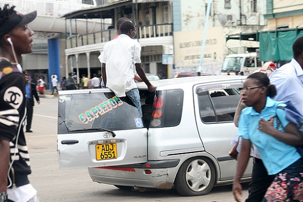 Pirate Taxis Declare War On Kombis: Stone Vehicles