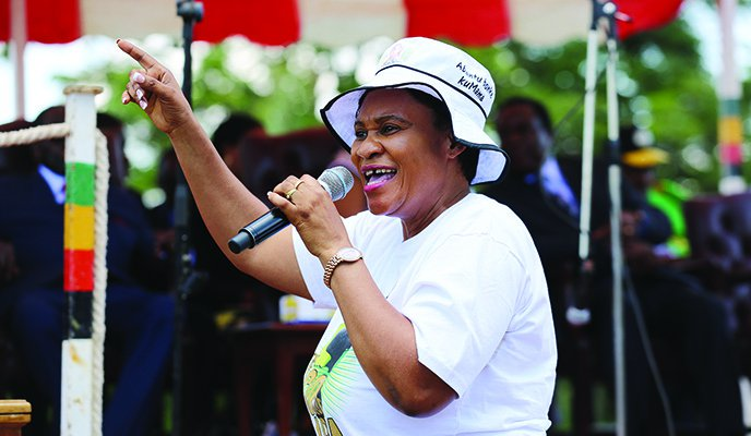 Mnangagwa Critic And G-40 Key Member Sarah Mahoka In Trouble