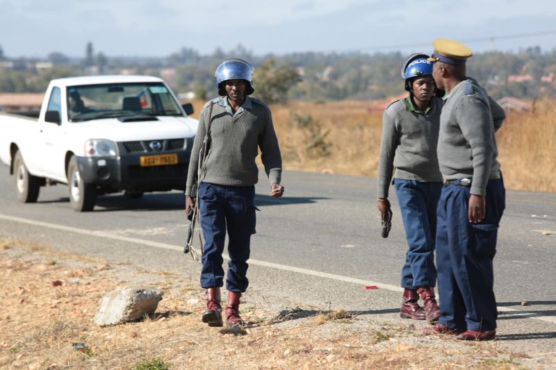 Zim Police Threaten To Crush Protesters