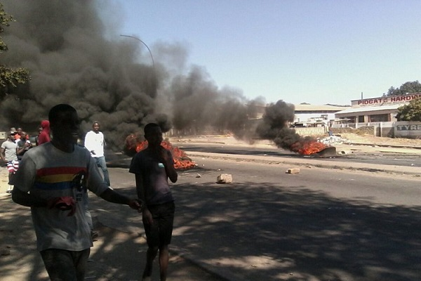 PICTURE UPDATE: ANGRY BULAWAYO JOINS ANTI-MUGABE RIOT