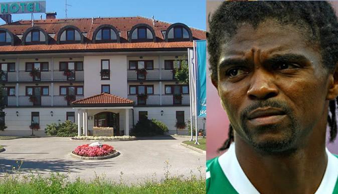 Footballer Kanu loses millions of dollars to 'fraudsters'