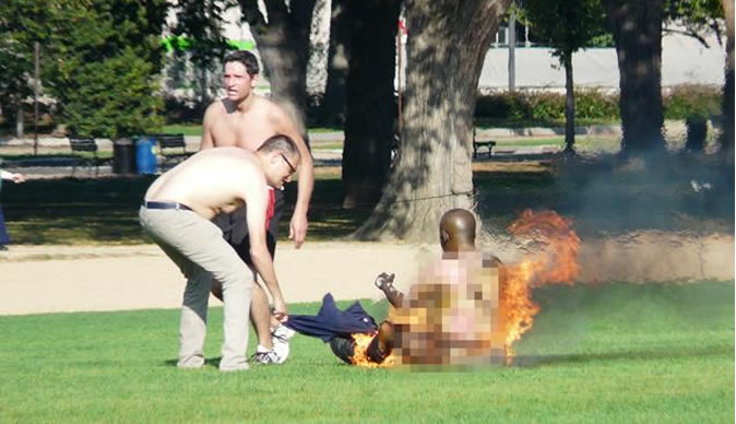 Man sets himself on fire in broad daylight