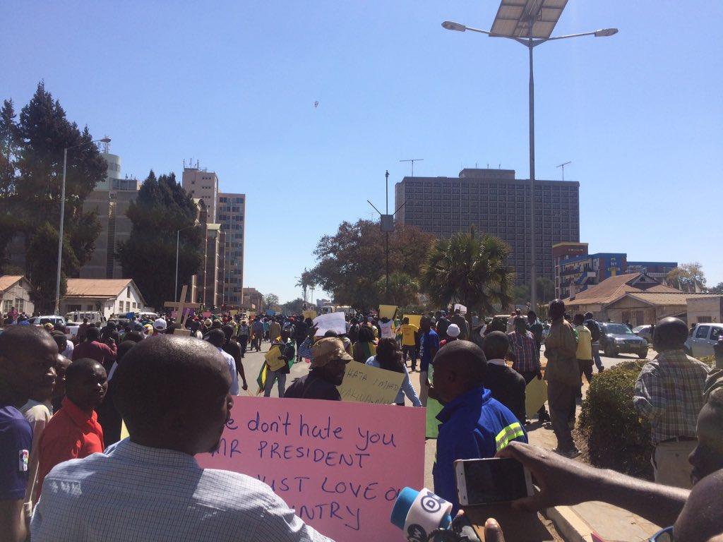 DZAMARA Addresses #NoToBondNotes Protesters In Harare